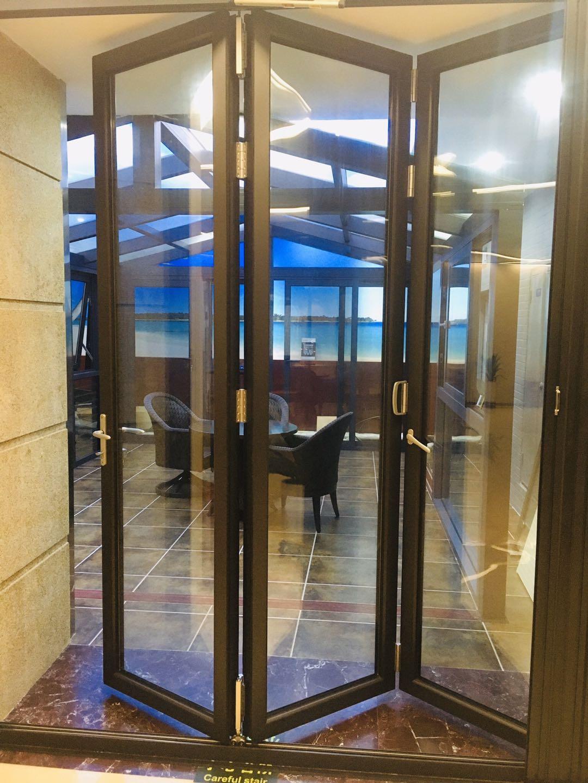 HT75 Bi-Folding Door