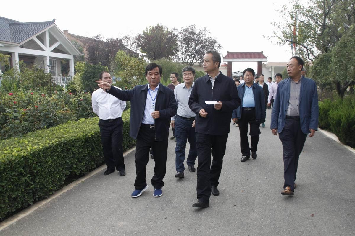 楊廣亭副市長一行蒞臨參觀羅曼公...