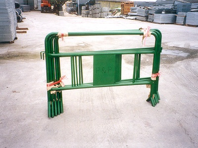 屋苑鐵馬欄河  Portable Barrier for Estate