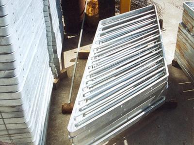 斜型欄河Irregular Railing