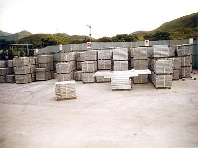 電訊公司存於本公司之水泥沙井蓋 Storage of Joint Box Cover in our warehouse