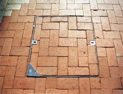 電訊盈科行人專區沙井蓋 Recessed Cover for Pedestrian Area - PCCW