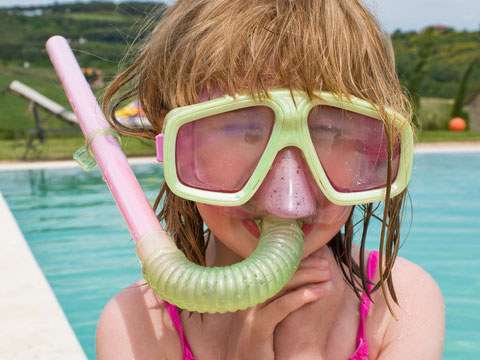 Snorkeling full face mask and breathing tube manufacturing method