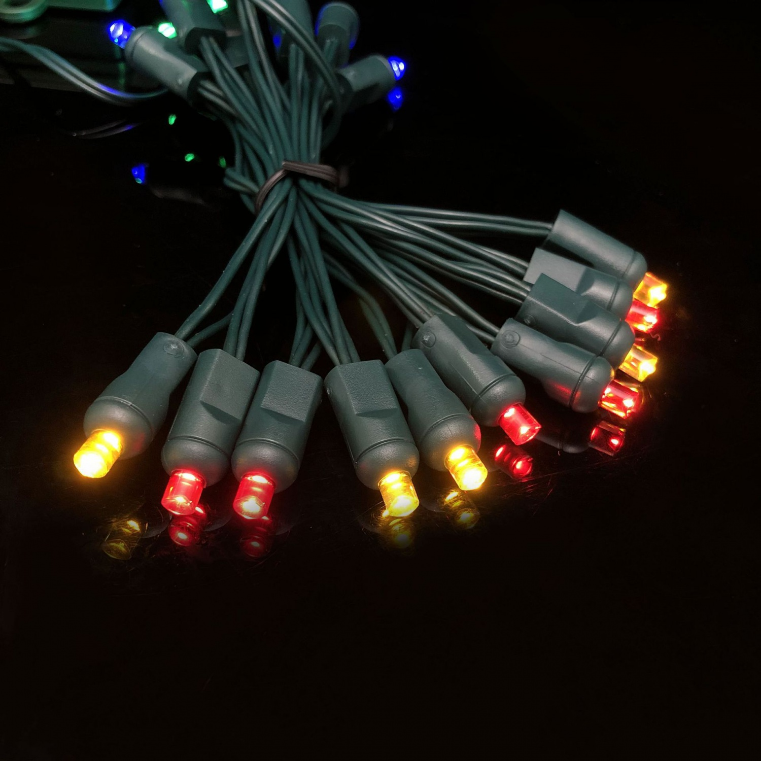 3V /120V 5LP LED String ights