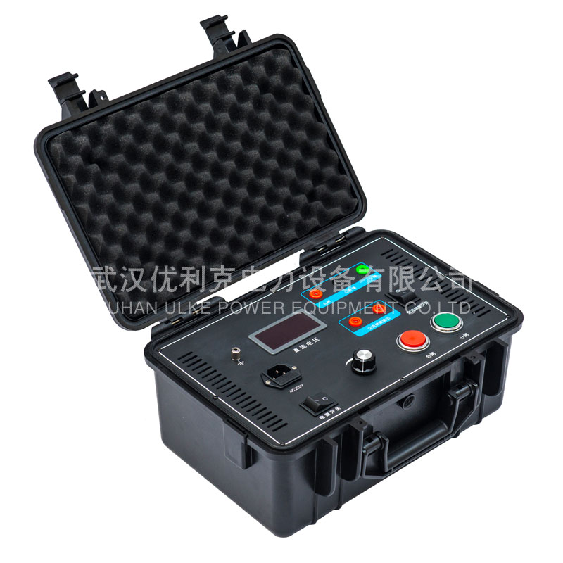 11.ULKE-P300便携式试验电源(数字)