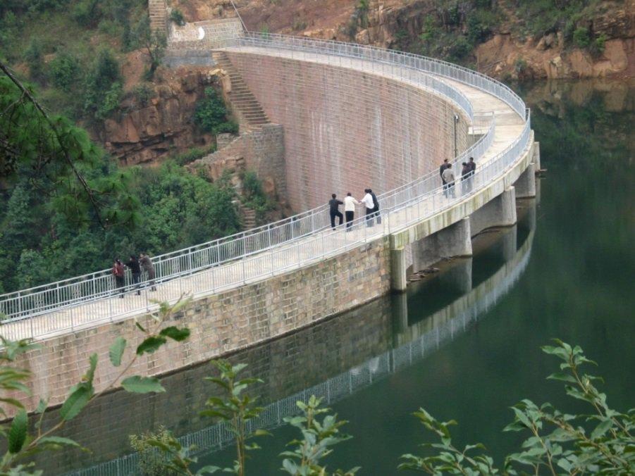 新平县他拉河水库砌石拱坝1
