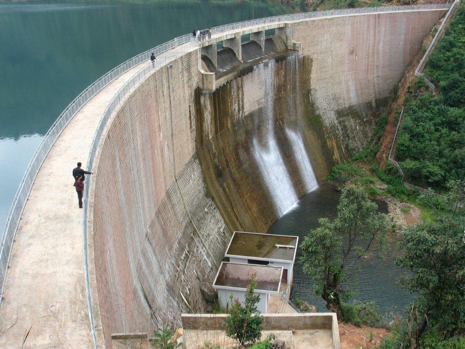 新平县他拉河水库砌石拱坝