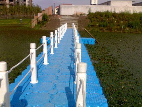 上海某房产配套浮桥